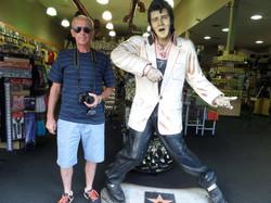 Con Elvis Presley?