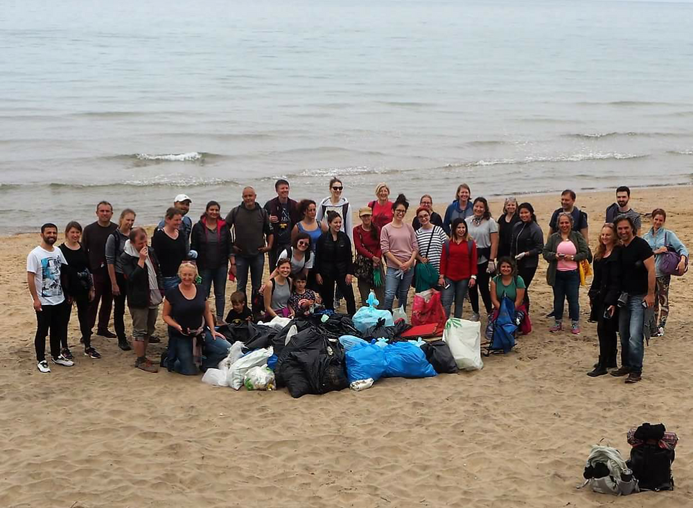 Beach Clean Up Photo Lucy Tooze