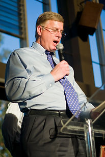 Speaker with a Tie