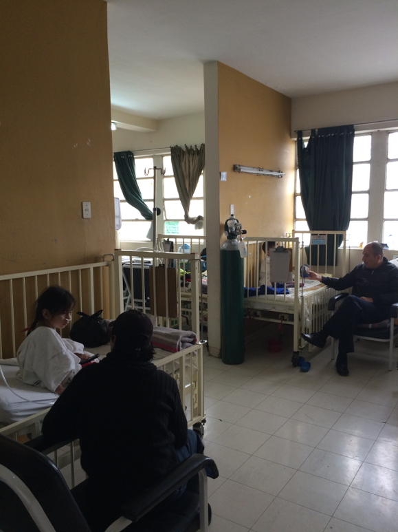 (Image of busy Hospitalization Ward)