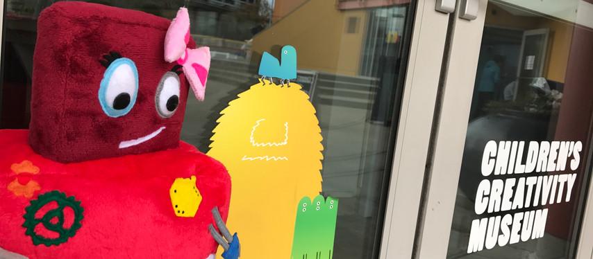 La Tata a San Francisco..  Children's Creativity Museum