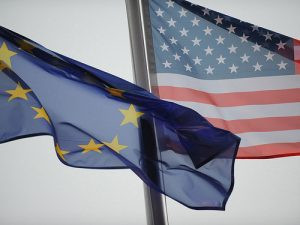 eu-us-flags