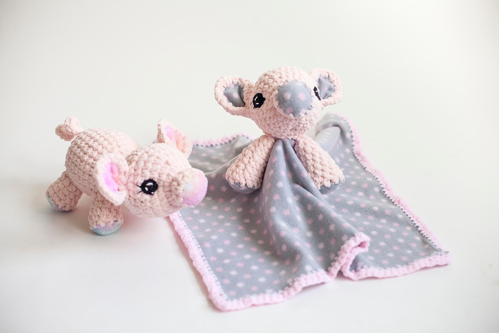 amigurumi crochet pig and crochet pig lovey