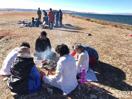 Puja at Lake Mansarovar