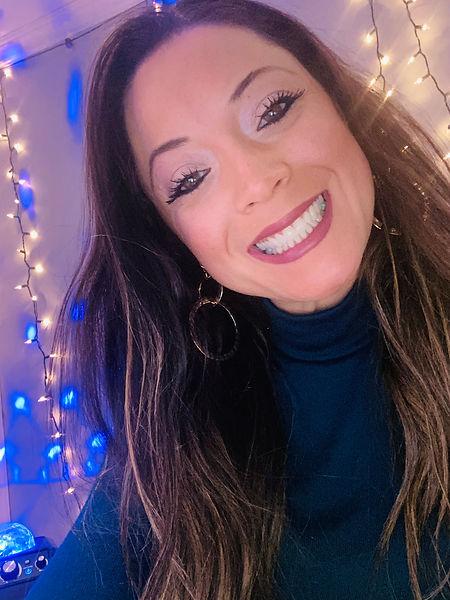 Sarah Gillis Profile pic. Apil 2021.jpg