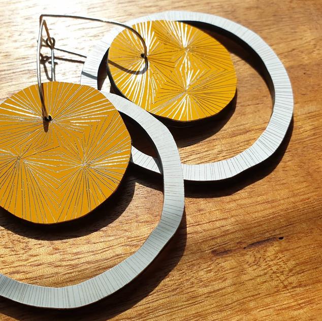 Starburst Disc & Lines Hoop