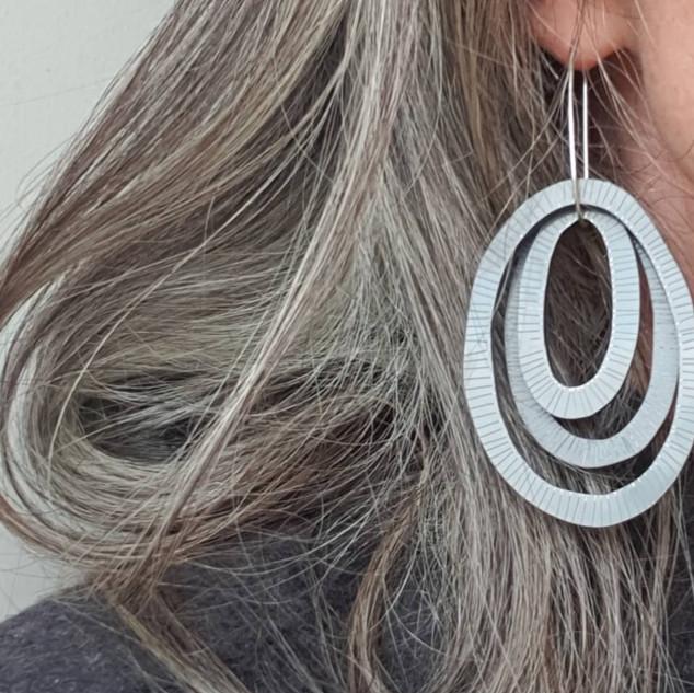 Organic oval hoop, Lines