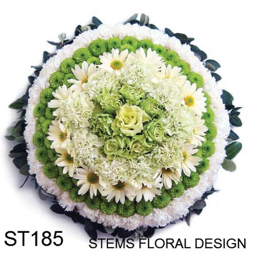 ST185 Solid Wreath - mixed green and white