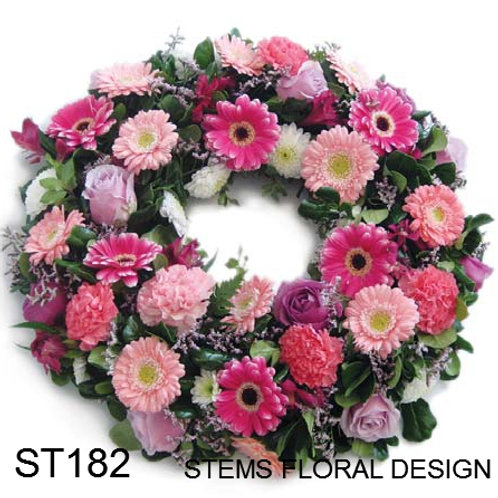 ST182 Wreath - Mixed Pink