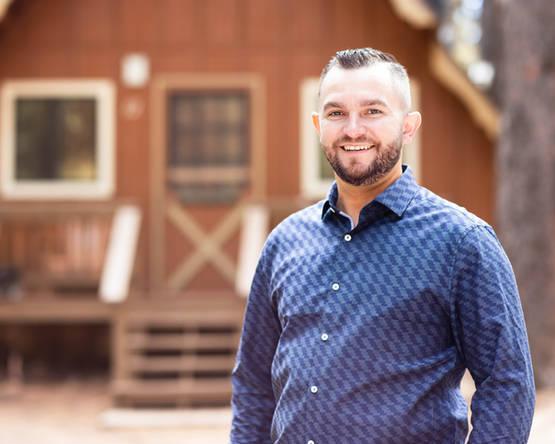 Male business headshot photographer in Flagstaff, Arizona