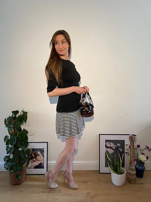 Zara B&W dress with pretty skirt in Size 8