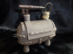 E-06 Steam Chest -large- £120 (Height 18cm/ Length 20cm/ Width 10cm) with Vintage Key on lid