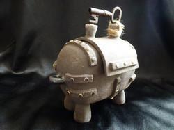 E-05 Steam Chest -medium- £95 (Height 16cm/ Length 18cm/ Width 10cm) with Vintage Key on lid
