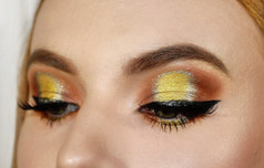 Warm Halo Eye on Juliette Makeup / Photography by Alana