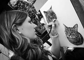 Award winning uk animal artist and pet portrait artist Frances Vincent - Working on a pet commission