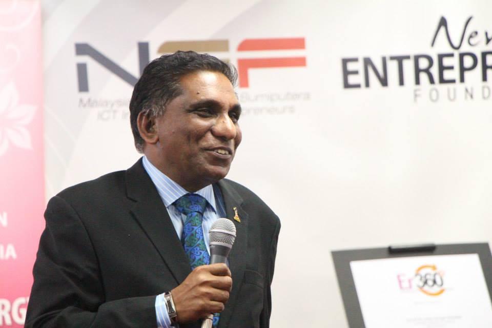 Tan Sri Dr. Irwan Siregar giving his speech