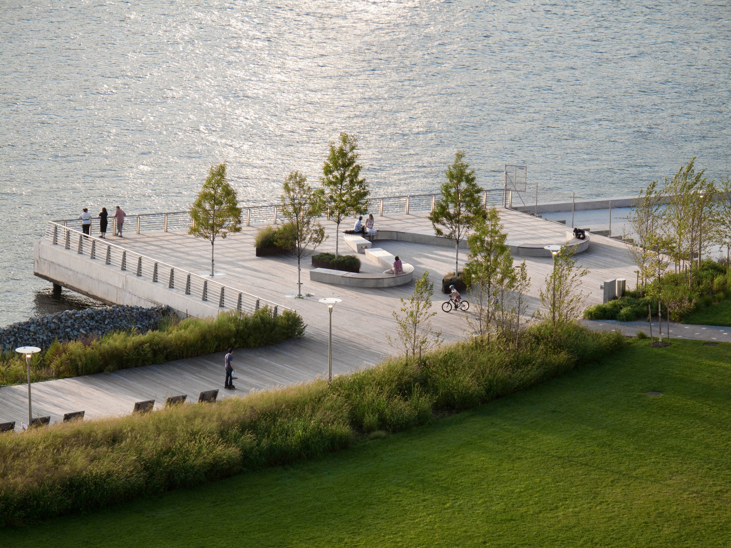Created Cove at Gantry Plaza State Park
