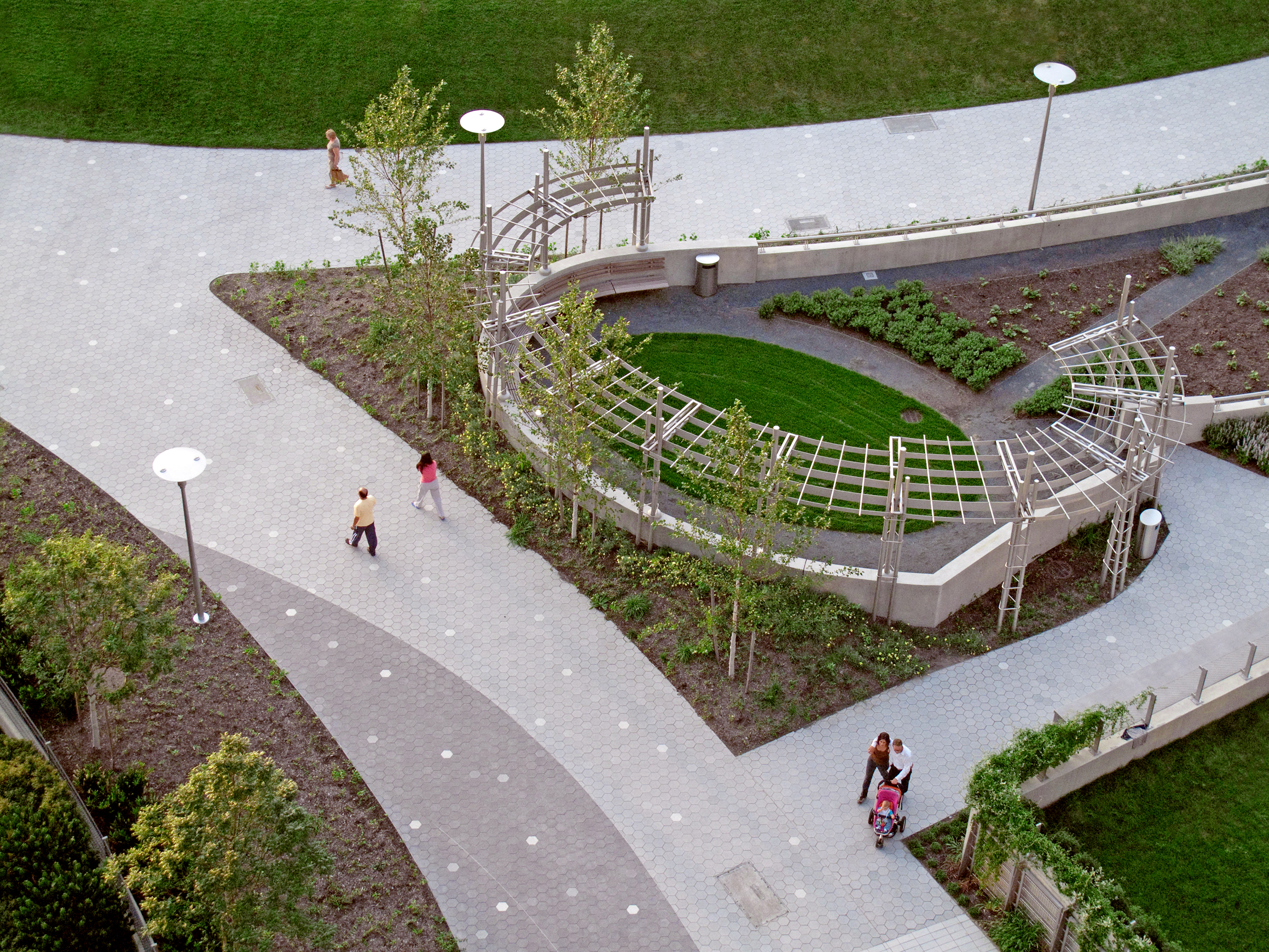 View of Community Garden and Paving at Gantry Plaza State Park