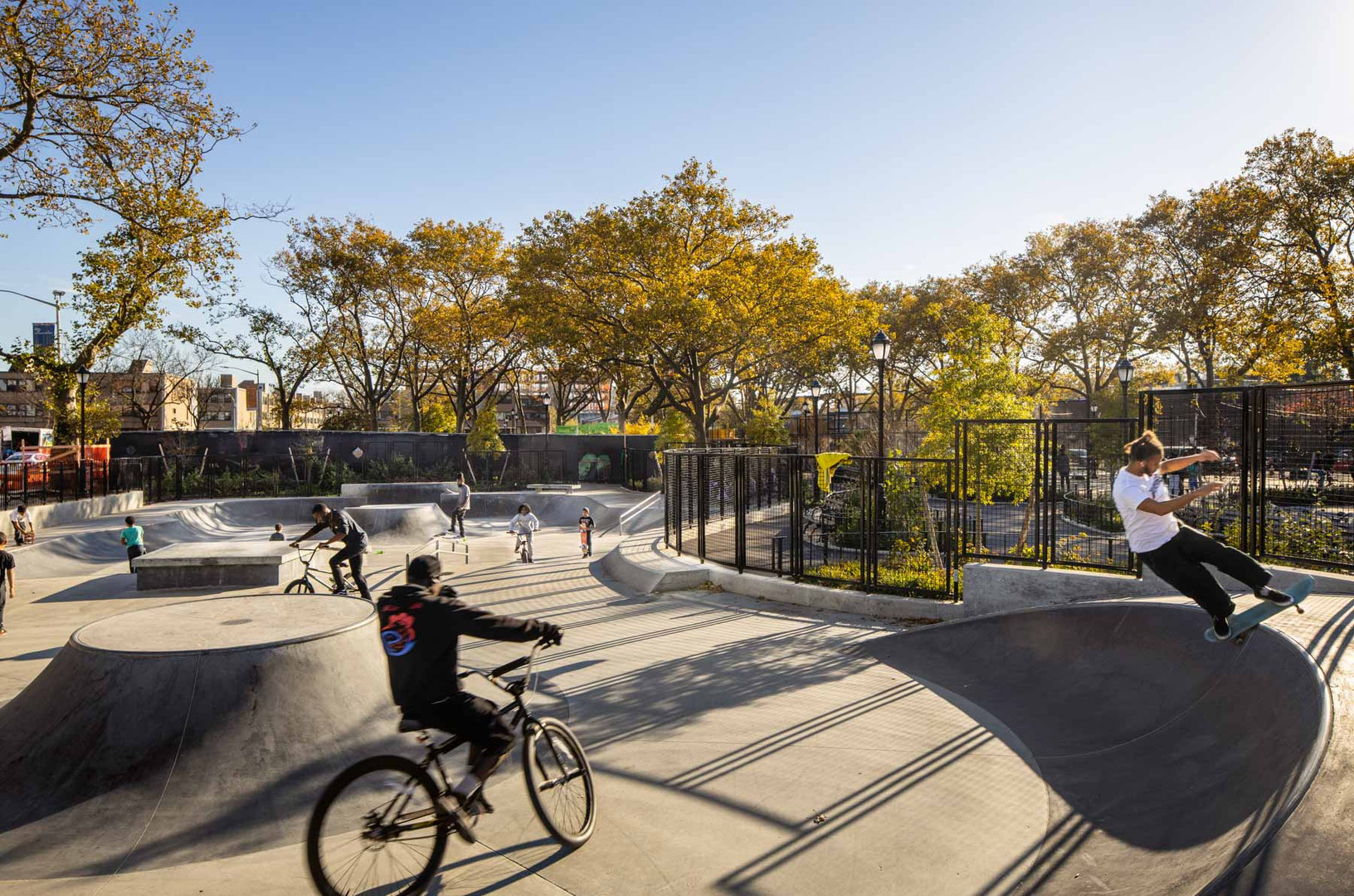 The sculptural geometries of the large, 6,000 square foot urban skate park complement the design vocabulary of the rest of the park. The skate park, which features quarter-pipes, transitions, ledges, and rails is enjoyed by users of all ages and abilities.