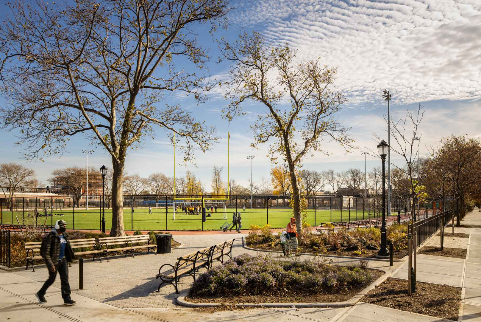 New enhanced entrance of the southern parcel, leading to the multipurpose sports field.