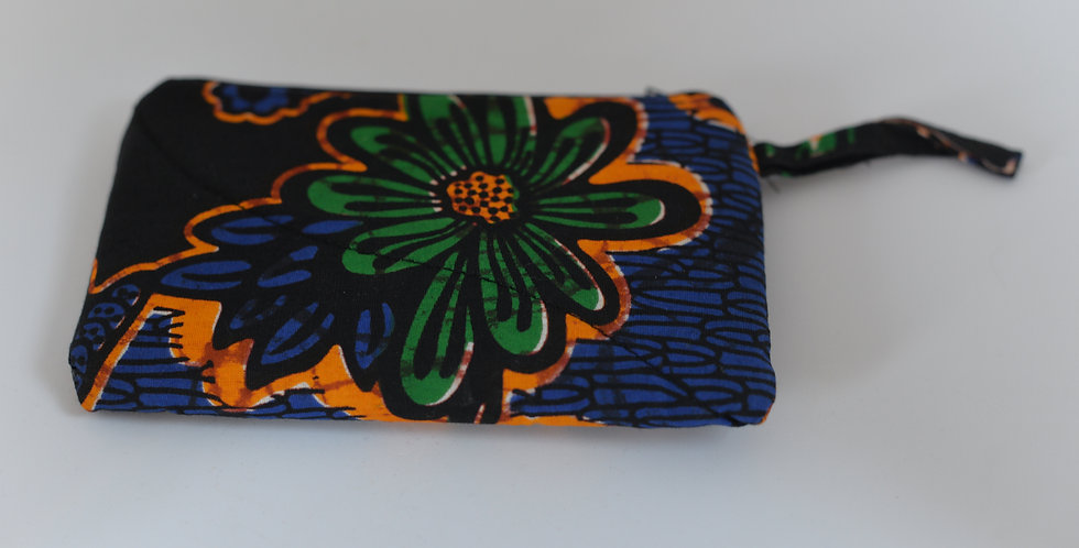 1 pochette made in Uganda