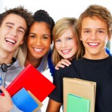 4-happy-high-school-students-1-300x208_e