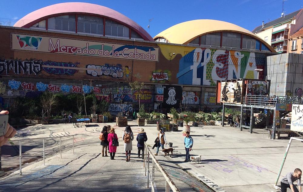 Mercado de la Cebada -   самобытная площадь в Мадриде, объединяющая в себе пространства различных интересов