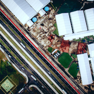 Foto aérea de una fábrica