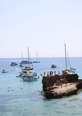 Cliff jumping Cala Tarida