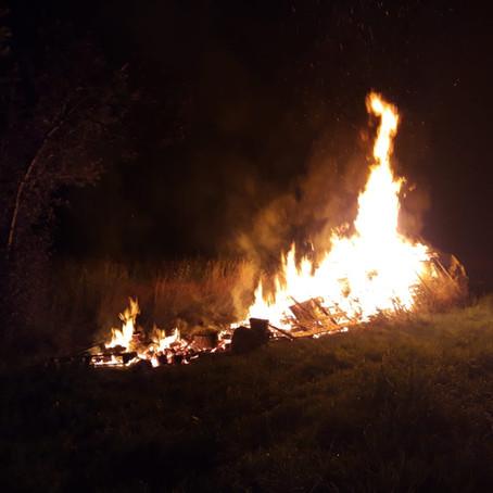 E 38 - f3 Altach, Ortsteil Fohren, unklares Feuer bei den Schrebergärten