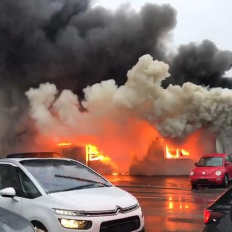 E6 - f4 Altach/ Koblach Straßenhäuser, Garagenbrand