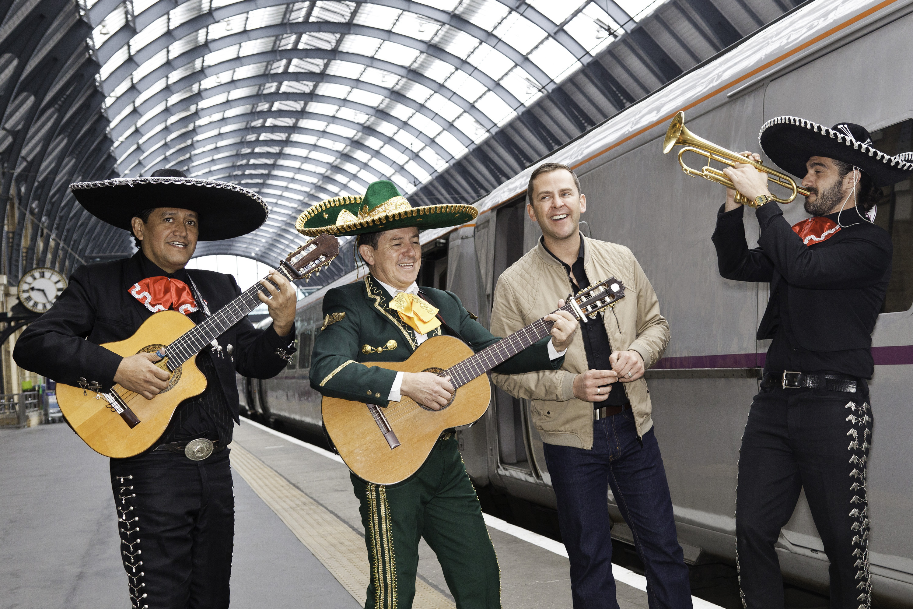 Mariachi Rey. the love train