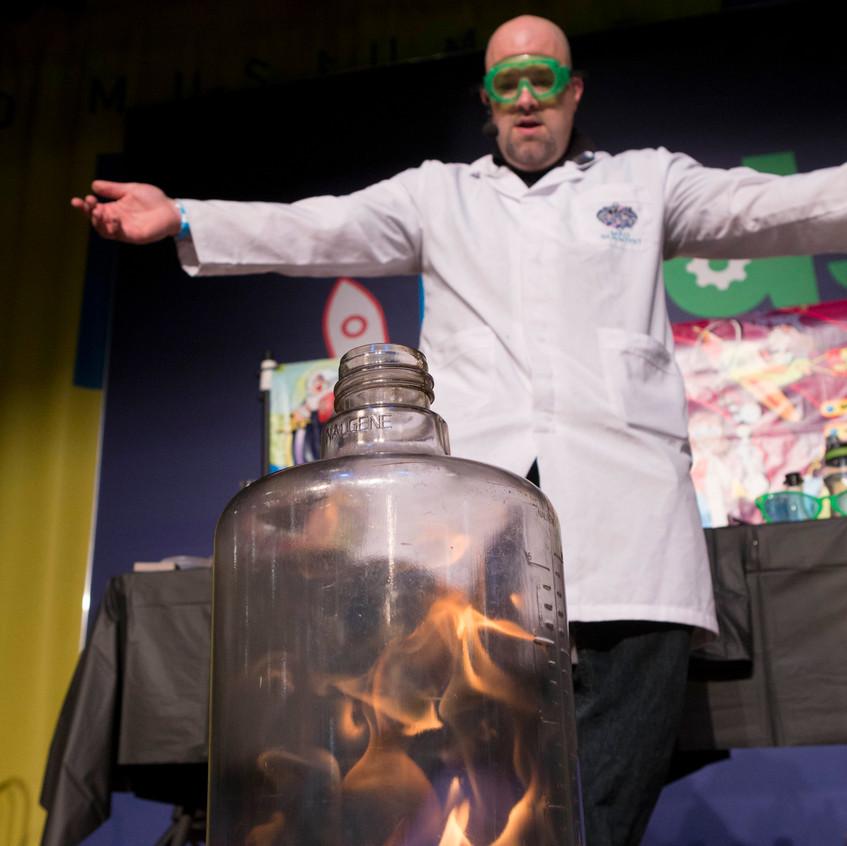 Mad Science at Kid's Week