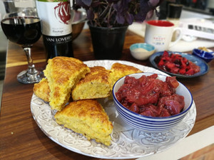 Vegetable scones with Pinotage Plum chutney