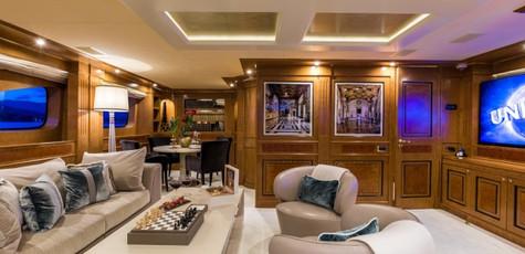 legenda-yacht-luxury-cuisine.jpg