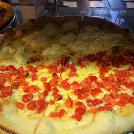 White & Bruchetta pizza
