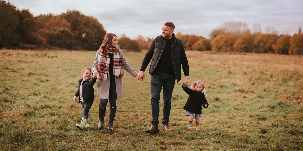 Outdoor Christmas Mini Sessions (Sunday 8th November)