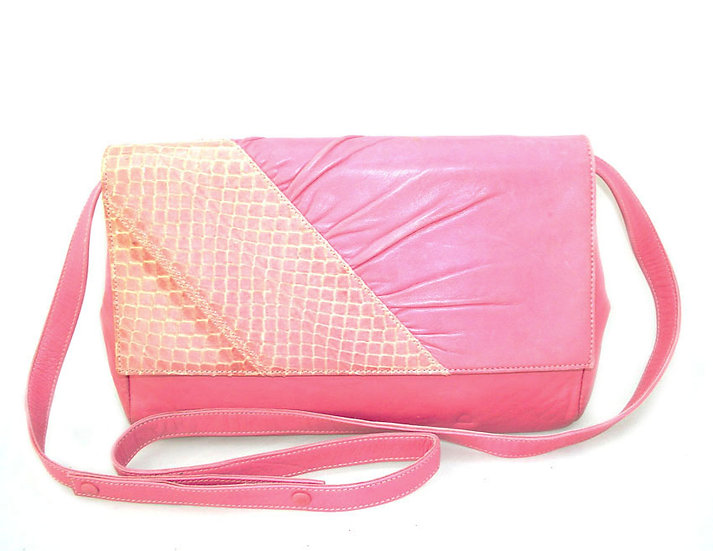 GUCCI Snakeskin Leather Clutch Bag Italy VDB-067