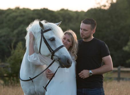 10 reasons you SHOULD date an equestrian