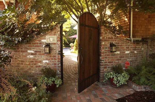 custom gate, sacramento