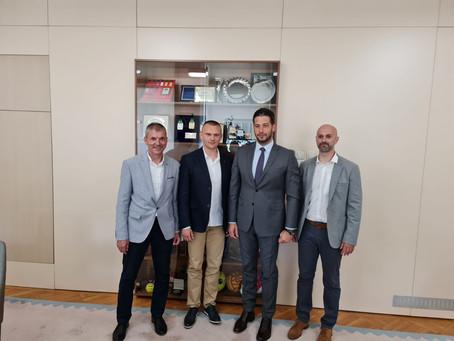 Sastanak rukovodstva Fakulteta fizičkog vaspitanja i sporta sa ministrom omladine i sporta Srbije