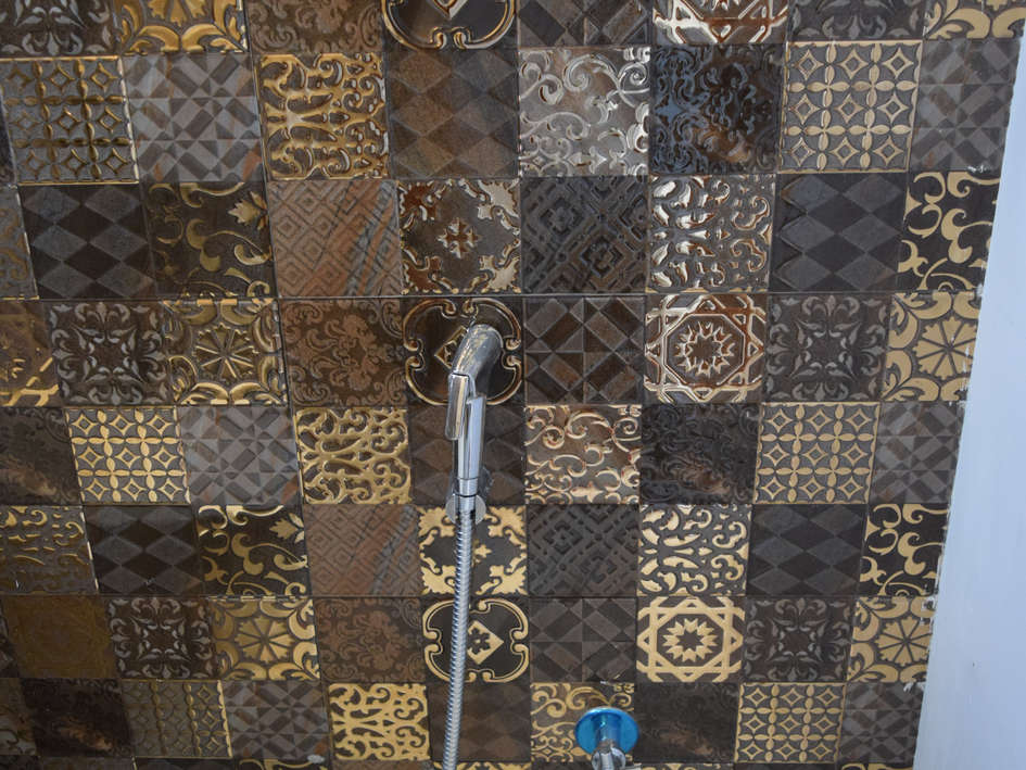 Powder Room Tiles Design