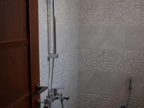 Bathroom 9 Ground Floor Bath 2