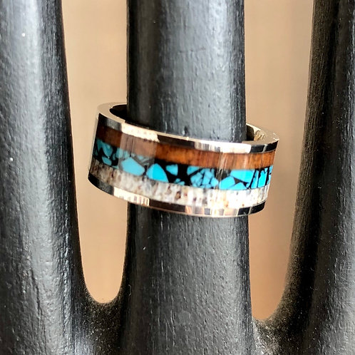 TITANIUM AND WOOD INLAY RING. Size L/M