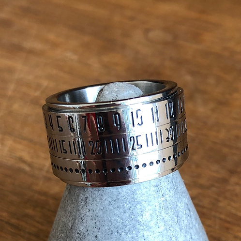 STAINLESS STEEL SPINNING DATE RING size options available