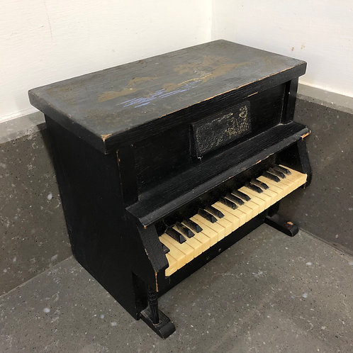 VINTAGE JAPANESE MUSIC BOX SHAPED LIKE A PIANO