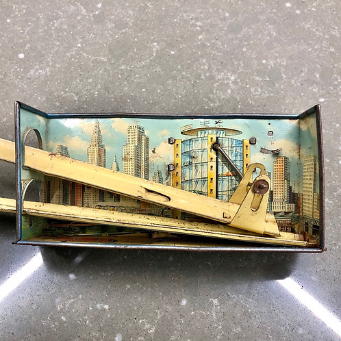 VINTAGE 1950s GERMAN TINPLATE NEW YORK CAR PARK