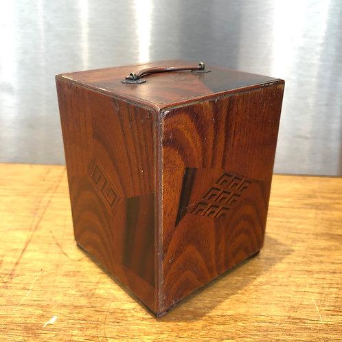 ART DECO JAPANESE MINIATURE LACQUERED JEWELLERY BOX