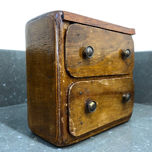 VINTAGE PRIMITIVELY HANDMADE MINIATURE CHEST OF DRAWERS