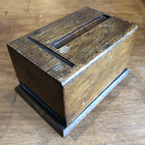 VINTAGE 1940s WOODEN CIGARETTE DISPENSER